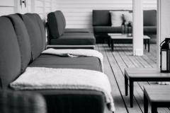 DSCF4541-NorraGrava621-Festlokal-Loungemobler-vid-poolomrade-ute_web